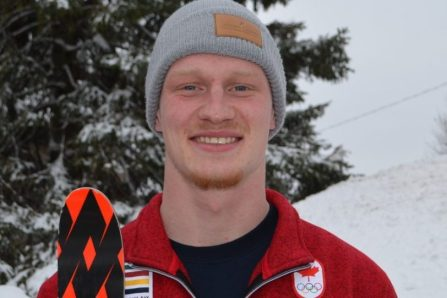 Ski acrobatique: Irving remporte le bronze