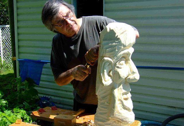 Promouvoir la sculpture, une caricature à la fois
