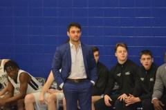 L'entraîneur-chef Vincent Plante goûtera au basketball professionnel