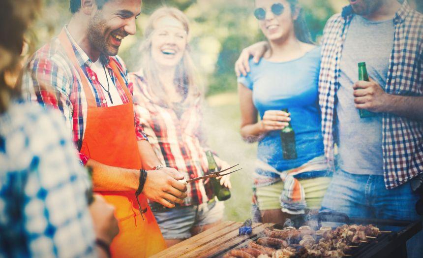 Il est venu le temps du gril: les essentiels pour les maîtres du BBQ