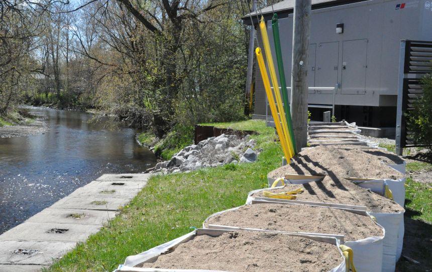 Nouvelle version du mur anticrue pour la rivière Lorette
