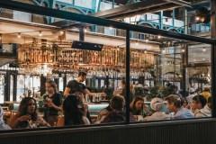 Les bars et restaurants pourront ouvrir à capacité maximale