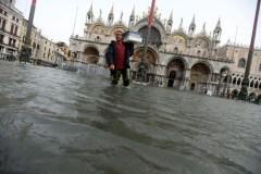 Il maltempo in Italia. Danni alla basilica di San Marco a Venezia