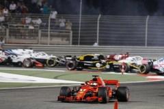 Vettel trionfa nel deserto del Bahrain