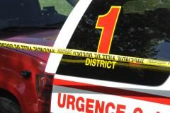 Un homme se retrouve coincé sous son véhicule