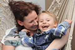 Syndrome d'Angelman: une famille épaulée par la communauté