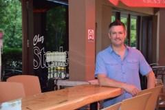 Bar Chez Stanley: deux générations autour d'une bière