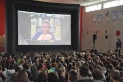 Des écoliers s'entretiennent avec l'astronaute David Saint-Jacques