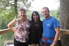 Tourisme: La ministre Bardish Chagger en visite au Canyon