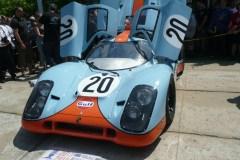 Huit étudiants restaurent une Porsche 917 K