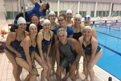 Natation: Myco Anna supporte un groupe de nageuses