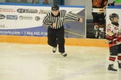 Hockey mineur : la relation parents-arbitres demeure fragile