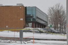 Couillard trouve «répugnant» le dépôt d'un colis haineux à la mosquée de Québec