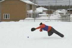 Du baseball en hiver à Saint-Émile