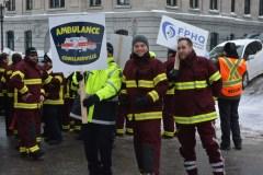 Les ambulanciers manifestent sous le bruit des sirènes