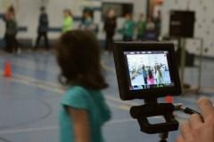 Une équipe de tournage à l'école de la Chaumière