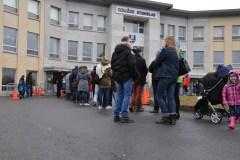 De nombreux Français votent pour le premier tour de la présidentielle