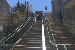 Un dalot à vélos pour l'escalier de la Chapelle