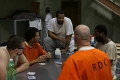Sept citoyens ordinaires acceptent de vivre 60 jours en prison