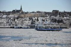 Un homme en détresse a été tiré des eaux du fleuve Saint-Laurent, lundi matin