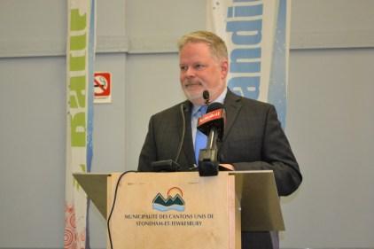 Le maire Claude Lebel veut rétablir les ponts avec Régis Labeaume