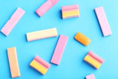La gomme à mâcher sans sucre prévient-elle la carie?