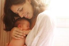 Astuces pour les nouveaux parents aux prises avec une surdose d'informations