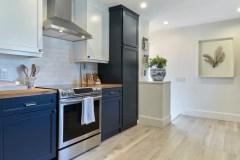 Des armoires de cuisine mises au goût du jour pour augmenter la valeur de la maison